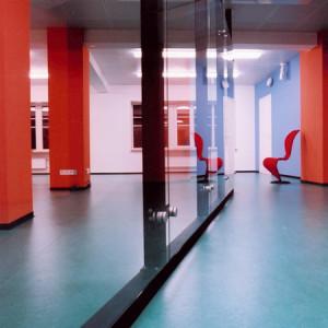 architektor-oleg-lapto-ofis-krasnie-kolonni-13