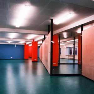architektor-oleg-lapto-ofis-krasnie-kolonni-3