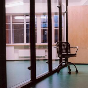 architektor-oleg-lapto-ofis-krasnie-kolonni-8